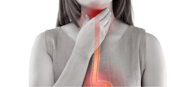Cause et remède contre le mal de gorge